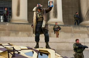 The-Dark-Knight-Rises-Bane-Harvey-Dent-Photo-570x369.jpg
